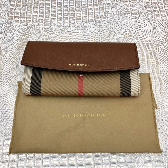 3f52cf81b1e7 Burberry House Check Leather Continental Wallet